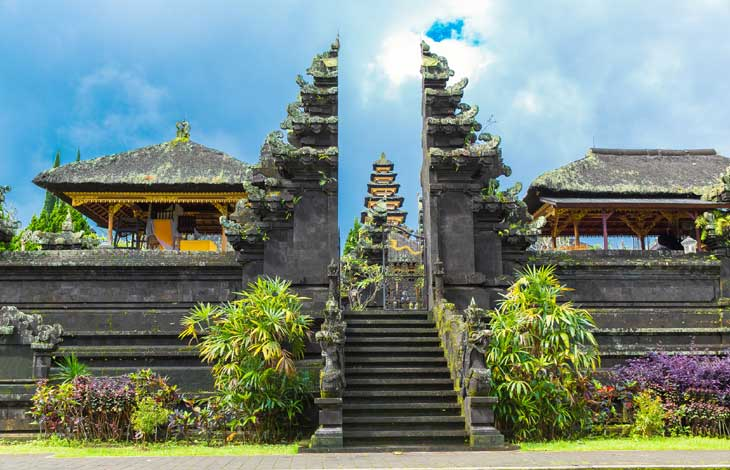 ../PackageImages/Romantic Bali/landing/Bali-Temple-entrance.jpg