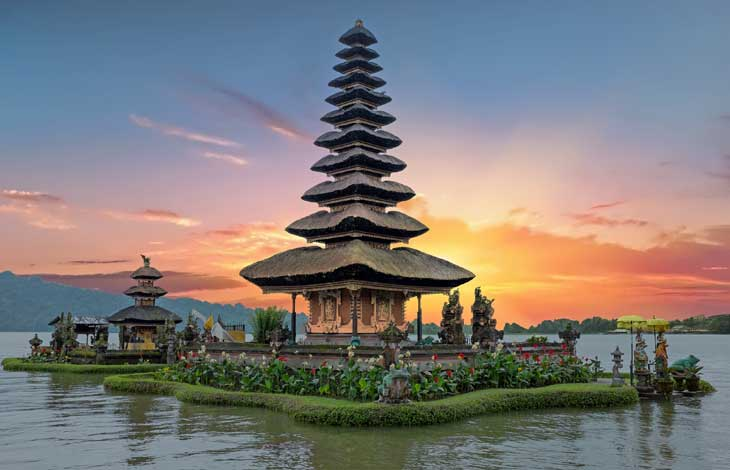 ../PackageImages/Romantic Bali/landing/Bali-Temple.jpg
