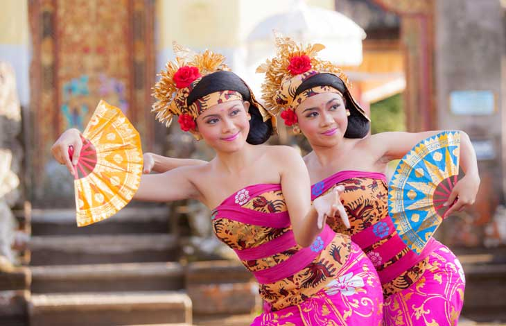 ../PackageImages/Romantic Bali/landing/Balinese-dancers.jpg